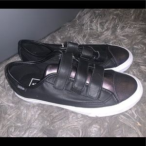 Shoes - NEW Vans Style 23 V 2tone leather velcro Women's 7